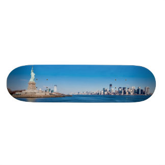 Statue of Liberty, Hudson River and Manhattan 21.6 Cm Old School Skateboard Deck