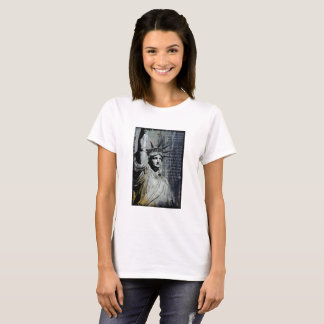 statue of liberty new york art poem painting T-Shirt