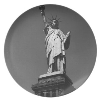 Statue of Liberty Party Plate