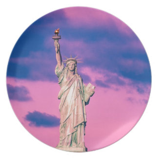 Statue of Liberty Party Plates