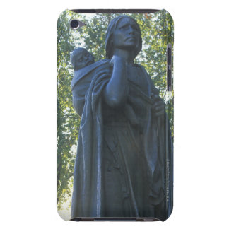 'Statue of Sacagawea and her son, guide on the iPod Case-Mate Case