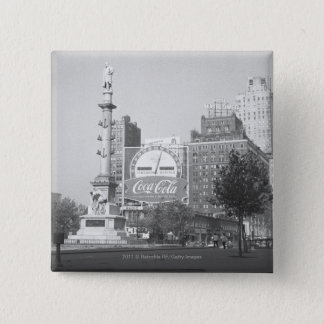 Statue on american city square B&W 15 Cm Square Badge