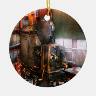 Steampunk - The Golden age of Cinema Round Ceramic Decoration