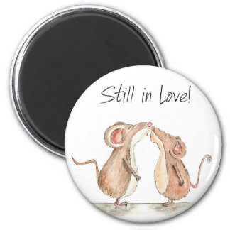 Still in Love - Two cute kissing Mice 6 Cm Round Magnet