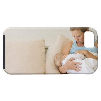 Stillendes Baby der Frau Tough iPhone 5 Case
