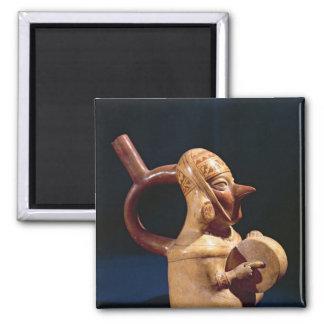 Stirrup vase in the form square magnet