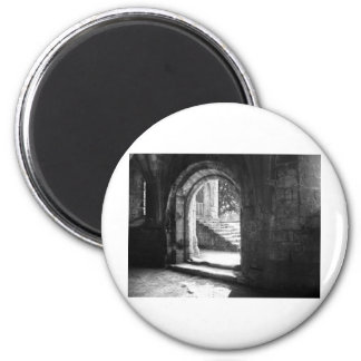 stone-stairs-in-fountains-abbey 6 cm round magnet