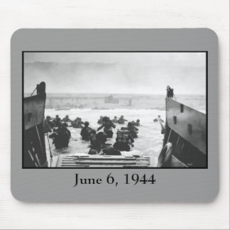 Storming The Beach On D-Day Painting Mouse Mat