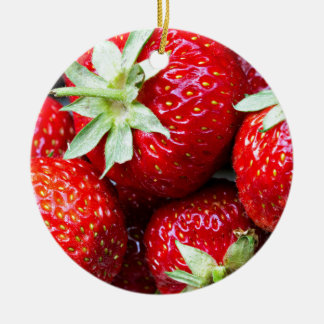 Strawberries Round Ceramic Decoration