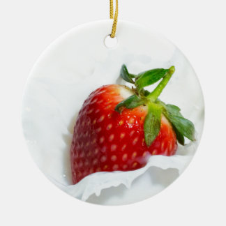 Strawberry Splash Round Ceramic Decoration