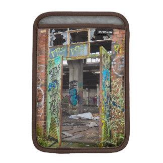 Street Art Graffiti Pitbull Ipad Case