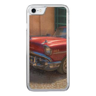 Street scene with old car in Havana Carved iPhone 8/7 Case