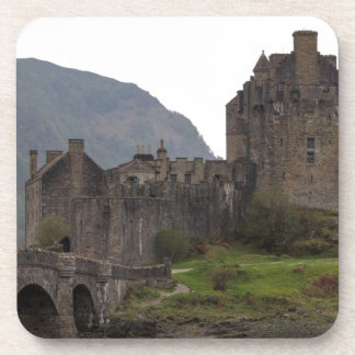 Structure of Eilean Donan Castle with stone bridge Coasters