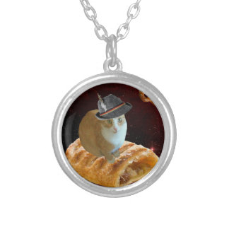 strudel cat round pendant necklace