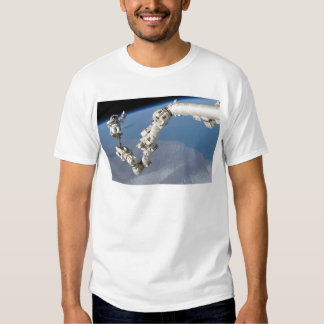 STS-114_Steve_Robinson_on_Canadarm2.jpg T-shirt