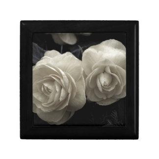 Stunning pale cream roses print gift box
