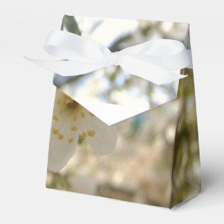 Stunning Precious Anniversary Wedding Blossom Favour Box