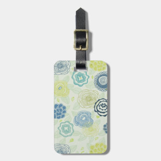 Stylish floral pattern with cute flowers luggage tag