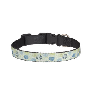Stylish floral pattern with cute flowers pet collar