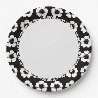 Stylish_Retro-Cottage-Flowers-Black-White_ 9 Inch Paper Plate