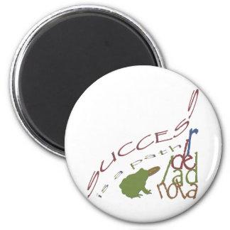 Success is a path 6 cm round magnet