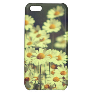 Summer field with white daisy cover for iPhone 5C