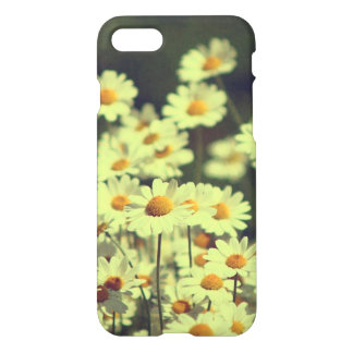Summer field with white daisy iPhone 7 case