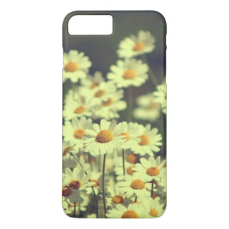 Summer field with white daisy iPhone 7 plus case