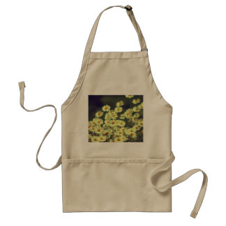 Summer field with white daisy standard apron
