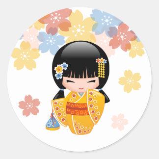 Summer Kokeshi Doll - Yellow Kimono Geisha Girl Round Sticker