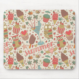 Summer Pattern With Ice Cream Mouse Pad