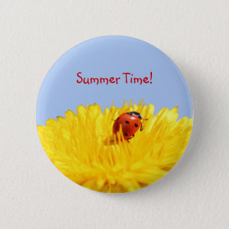 Summertime Ladybug On Yellow Flower 6 Cm Round Badge