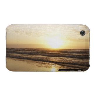 Sun on horizon over ocean Case-Mate iPhone 3 case
