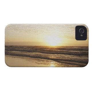 Sun on horizon over ocean iPhone 4 Case-Mate cases