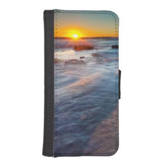 Sun rays illuminate the Pacific Ocean iPhone 5 Wallet