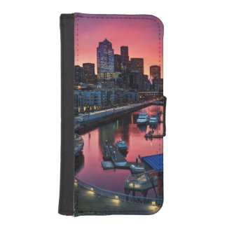 Sunrise at pier 66 looking down on bell harbor iPhone SE/5/5s wallet case