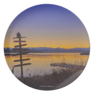 Sunrise in winter in Seattle 2 Plate