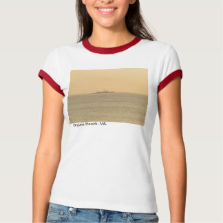 Sunrise on the Atlantic Ocean in Virginia Beach. Tshirt
