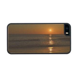 Sunrise Carved® Maple iPhone 5 Slim Case