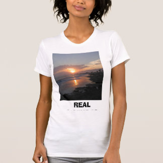 Sunset401, REAL PICTURESBy Brittany GRealPics@g... Tshirts