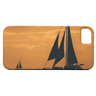 Sunset and Yacht iPhone 5 Cover
