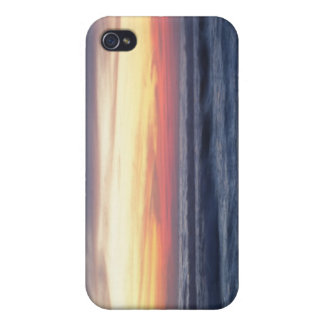 Sunset at the beach iPhone 4 cover