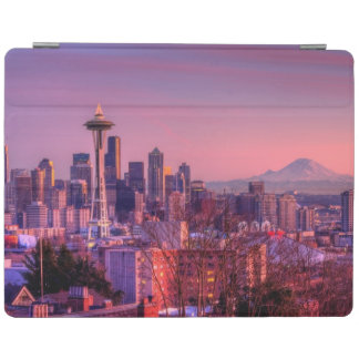 Sunset behind Seattle skyline from Kerry Park. iPad Cover