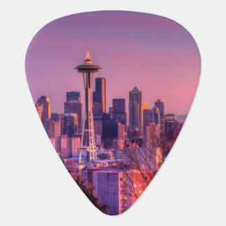 Sunset behind Seattle skyline from Kerry Park. Plectrum
