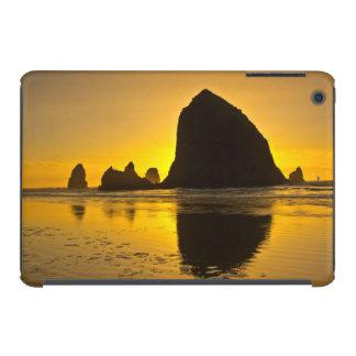 Sunset, Cannon Beach, Oregon, USA iPad Mini Covers