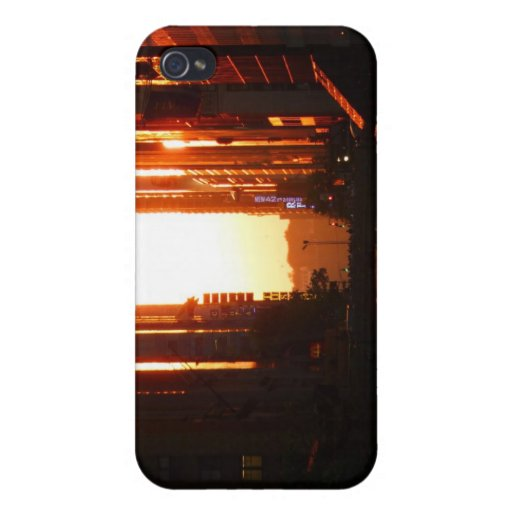 Sunset in New York City Covers For iPhone 4