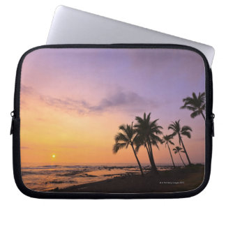 Sunset on Kahaluu Bay in Kona,Hawaii 2 Laptop Sleeve