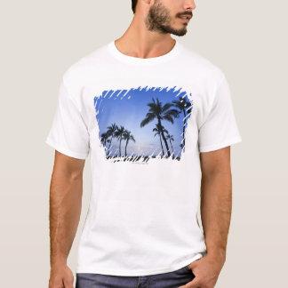 Sunset on Kahaluu Bay in Kona,Hawaii T-Shirt