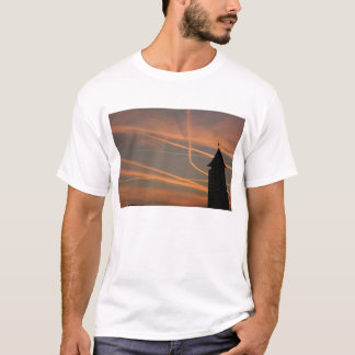 Sunset over Chelsea harbour, Chelsea, London, UK T-Shirt