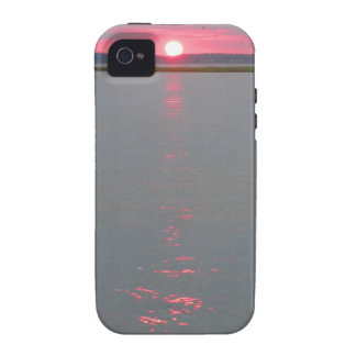 Sunset over the water vibe iPhone 4 covers